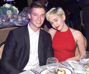Ibu Patrick Schwarzenegger Marah Anaknya Khianati Miley Cyrus