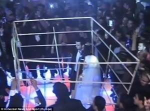 Pasangan Mesir Menikah Ala Eksekusi ISIS