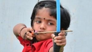 Anak 2 Tahun Raih Penghargaan Pemanah Termuda Di India