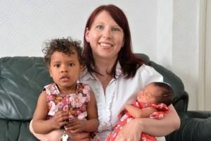 Seorang Ibu Lahirkan 2 Anaknya Di Hari Yang Sama Dengan Kate Middleton