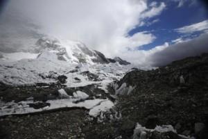 Setelah Gempa Nepal, Gunung Everest Tetap Dibuka Untuk Pendaki