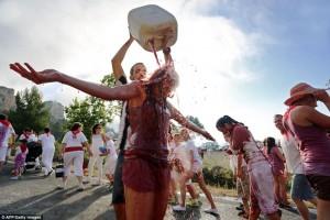 Lautan Merah Di Festival La Batalla Spanyol