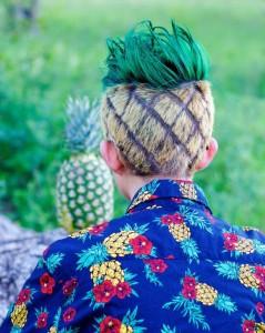 Unik, Remaja Ini Mencukur Rambutnya Menyerupai Nanas