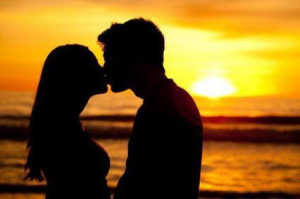 Penelitian: 50% Negara Di Dunia Tidak Ada Budaya Berciuman
