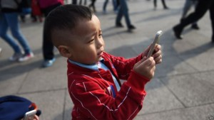 Kecanduan Smartphone Menyerang Asia