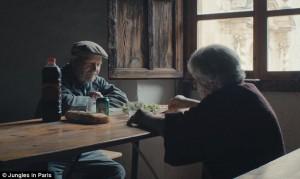 Pasangan Ini Tinggal Di Desa Mati Selama 45 Tahun