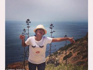 Visa Suami Ditolak, Wanita Ini Bulan Madu Sendirian