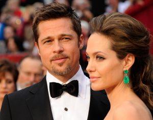 Brad Pitt Meminta Angelina Jolie Menunda Perceraian