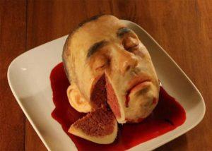 Menyeramkan, Kue Tart Ini Berbentuk Kepala Manusia