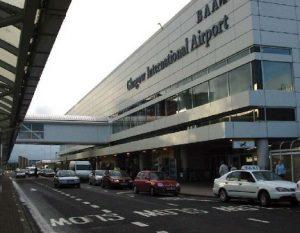 Bandara Di Skotlandia Kenakan Biaya Bagi Pengantar