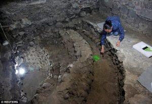 Menara Dari 650 Tengkorak Ditemukan Di Meksiko