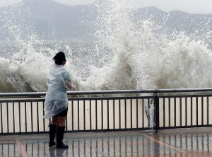 Topan Hato Melanda Macau, 12 Orang Tewas