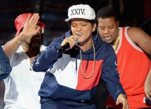 Bruno Mars Sumbang $ 1.000.000 Untuk Korban Krisis Air Michigan