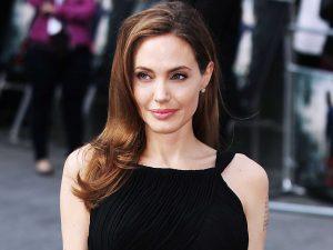 Angelina Jolie Tidak Menikmati Hidup Tanpa Pasangan