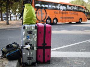 Mencuri Di Bagasi Bus, Pria Ini Bersembunyi Di Koper