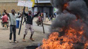 Polisi Kenya Melepaskan Tembakan Ke Arah 2.000 Demonstran