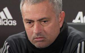 Phil Jones Diberi Enam Suntikan Anestesi, Mourinho Kecam Inggris