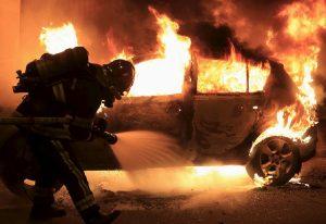 1.000 Mobil Terbakar Saat Malam Tahun Baru Di Perancis