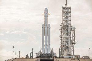 SpaceX Luncurkan Satelit Yang Bisa Mengirim Pesan Ke Alien