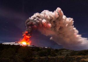 Gunung Berapi Paling Aktif Di Eropa Bergerak Ke Arah Laut