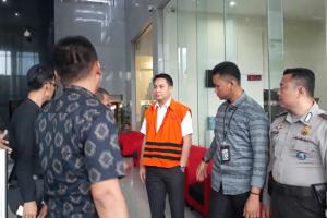 KPK Resmi Tahan FA, Anggota DPR RI