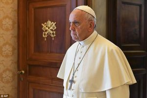 Paus Fransiskus Mengatakan Kepada Pria Gay: Tuhan Membuatmu Seperti Itu Dan Mencintainya