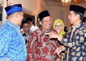 Fahri Hamzah Komentari Foto Mesra Dirinya Dengan Presiden Jokowi