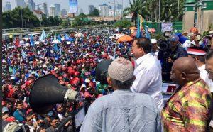 Fadli Zon: Pemerintah Jokowi Mengorbankan Kepentingan Buruh Lokal