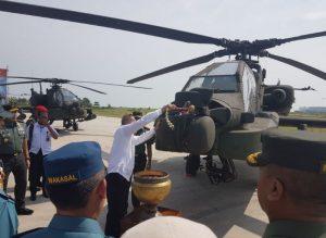 TNI AD Terima 8 Unit Helikopter Apache Buatan AS