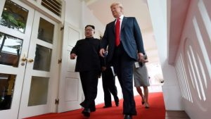 Trump Dan Kim Membuat Pertemuan Bersejarah
