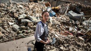 Satu Tahun Terbebas Dari ISIS, Angelina Jolie Kunjungi Mosul