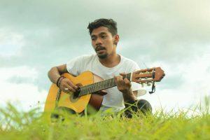 Syahril, Pria Dengan Suara Mirip Iwan Fals Tampil Di The Voice Indonesia