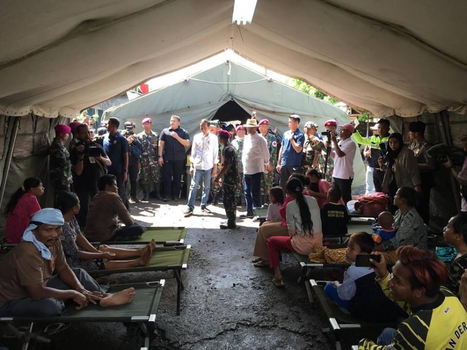 Jokowi Kunjungi Pengungsi Tsunami Selat Sunda
