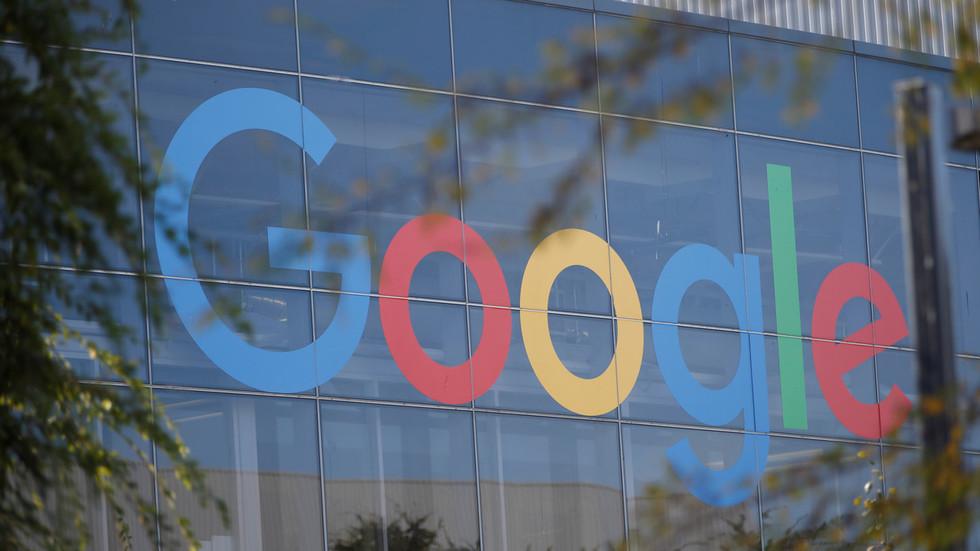 """Protes Breitbart: Google Mematikan Iklan Web Kami Dengan Mencari """"Ucapan Kebencian"""" Dan """"Berita Palsu"""""""