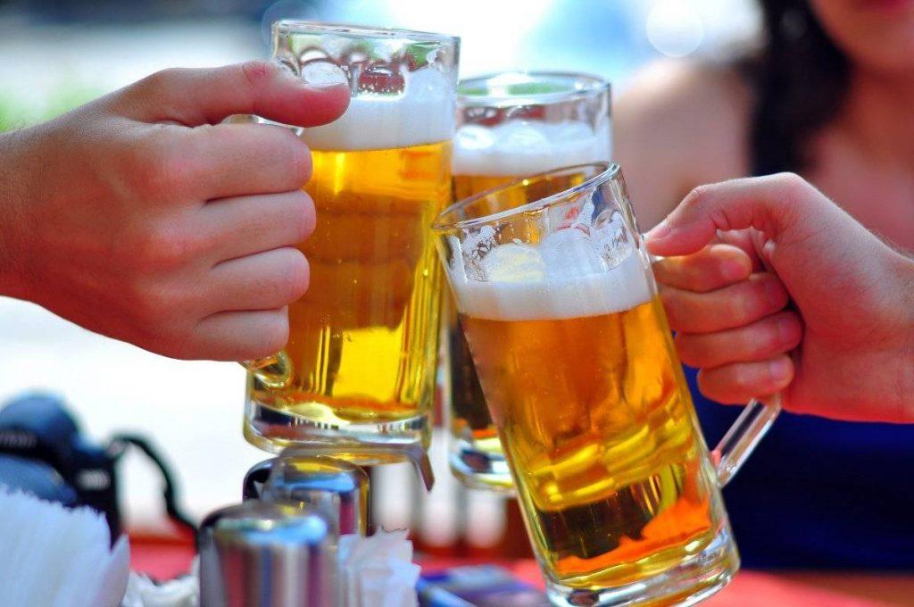 Penelitian: Alkohol Dapat Membantu Anda Berbahasa Asing Lebih Baik