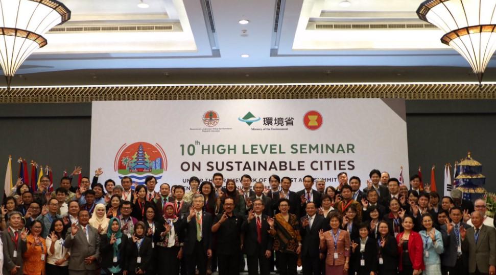 Di HLS, Wakil Gubernur Bali Tegaskan Komitmen Perangi Sampah Plastik