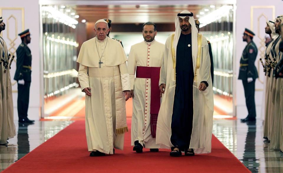 Tiba Di UEA, Paus Fransiskus Bawa Pesan Perdamaian
