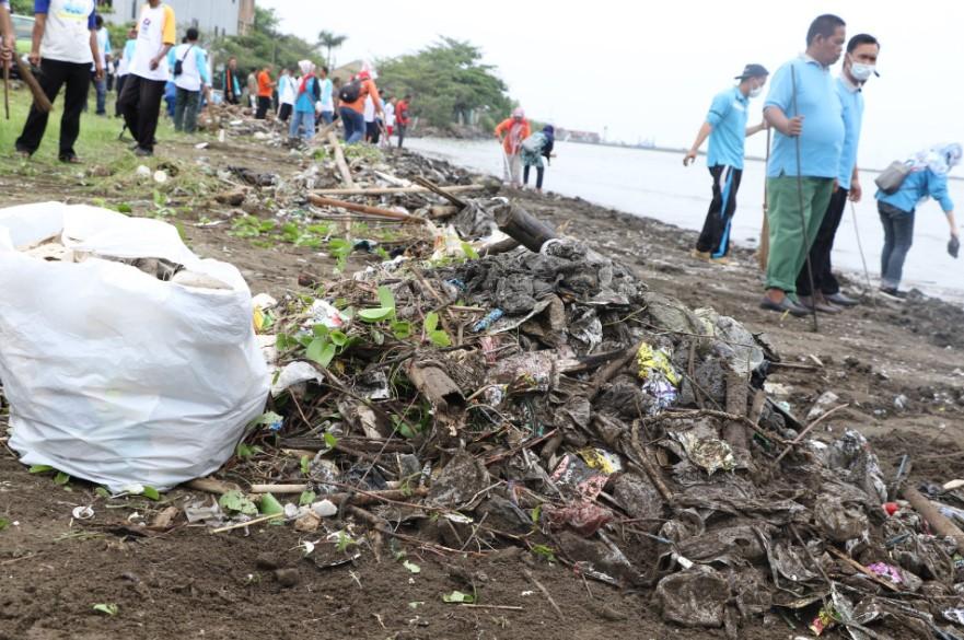 Bersih Pantai, Kegiatan Rutin KLHK Untuk Menangani Pencemaran Pesisir Laut
