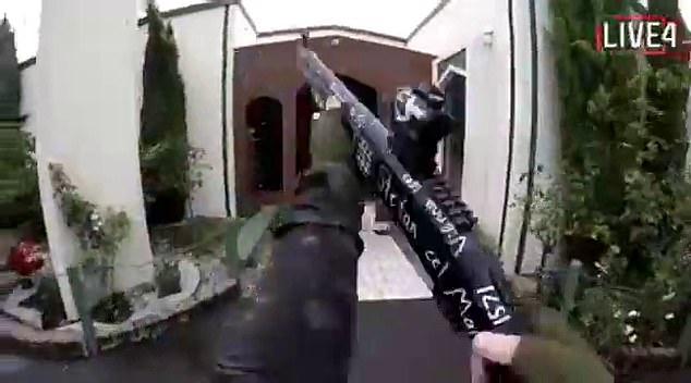 Panggil Teroris Bersenjata Dengan Sebutan Saudara, Korban Tewas Di Masjid Selandia Baru Dipuji Netizen