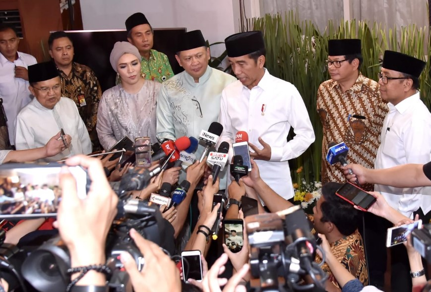Jokowi Tetapkan 9 Anggota Pansel Calon Pimpinan KPK, Berikut Namanya