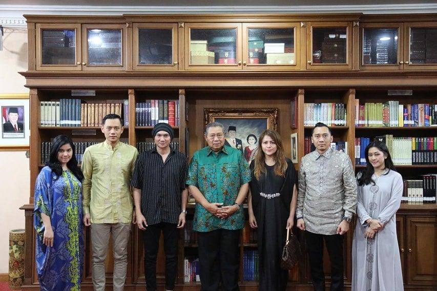 Cerita Tentang SBY Dan Ibu Ani Akan Dijadikan Lagu Dan Dinyanyikan Anji