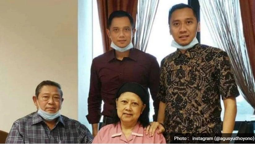 Ibu Ani Yudhoyono Tutup Usia Pukul 11.30 Waktu Singapura