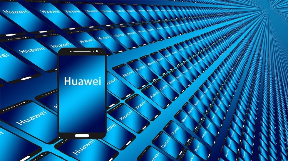 Masuk Blacklist Amerika, Huawei China Rakit Ponsel Terbaru Tanpa Komponen AS