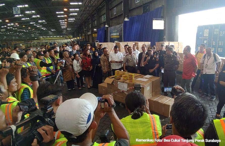 Sistem Otomasi Kepabeanan Barang-Barang HKI Bea Cukai Berhasil Cegah Impor Barang Tiruan Pemalsuan Merek