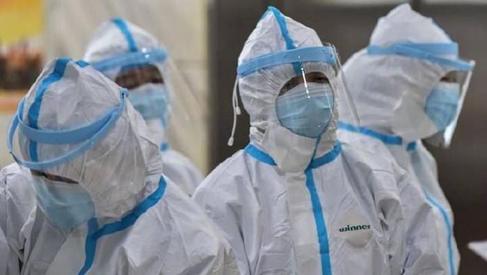 China Mengatakan 1.700 Pekerja Medis Telah Terinfeksi