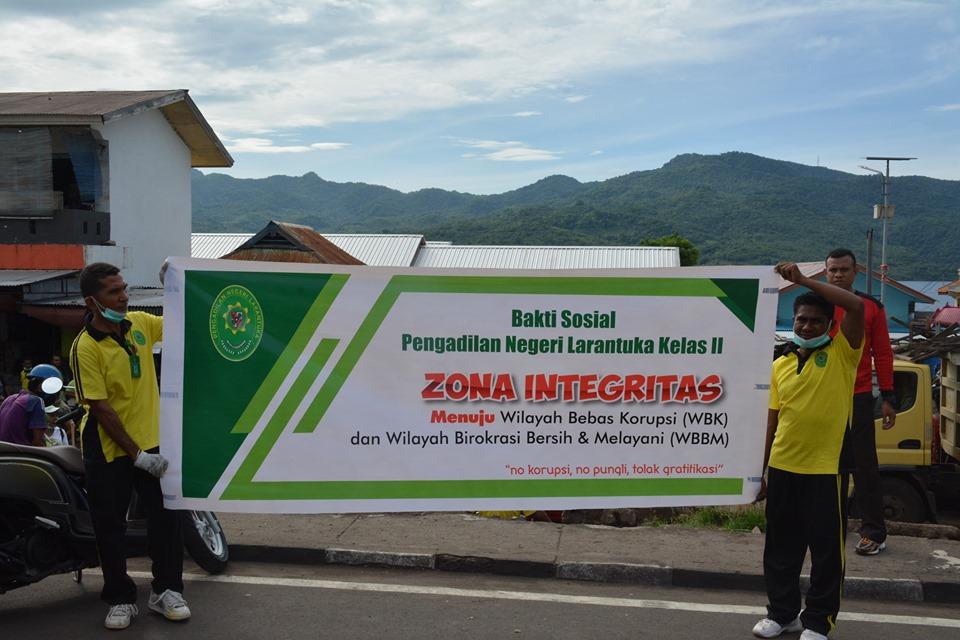 PN Larantuka Adakan Baksos Dalam Rangka Sosialisasi Pembangunan Zona Integritas  Menuju WBK Dan WBBM