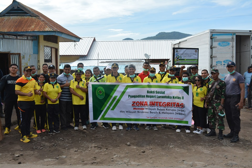 Foto Baksos Pengadilan Negeri Larantuka Dalam Rangka Sosialisasi Pembangunan Zona Integritas