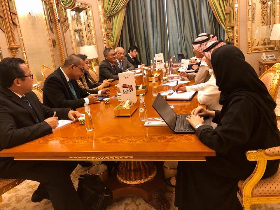 Sri Mulyani Beri Pandangan Tentang Pentingnya Isu Perpajakan Internasioanal Saat Bertemu Menkeu Arab Saudi
